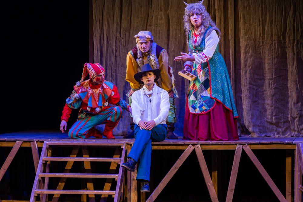«Капустник» в Национальном молодежном театре РБ