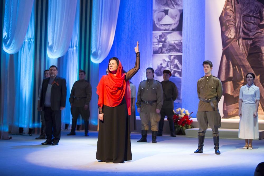 Артисты Молодёжного театра выступят на площади в День памяти